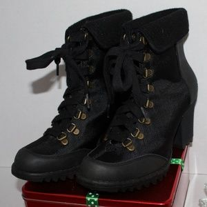 Black Textile & Leather Skechers Winter Boots NWOT